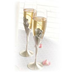 ac4e48d6eef Everlasting Heart - Champagne Flutes set of 2 #thingsengraved  #thingsengravedgifts #wedding Engraved Gifts. Things Engraved