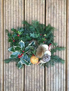 Christmas Wreaths, Holiday Decor, How To Make, Home Decor, Christmas Swags, Decoration Home, Holiday Burlap Wreath, Interior Design, Home Interior Design