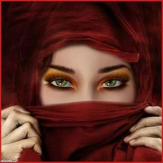 Those green eyes. Arabian Women, Arabian Beauty, Pretty Eyes, Cool Eyes, Arabian Eyes, Arabic Makeup, Exotic Beauties, Stunning Eyes, Amazing Eyes