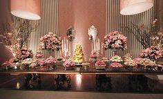 Casa de festas de 15 anos | Festas para debutantes Party Decoration, Wedding Decorations, Table Decorations, 15th Birthday, Birthday Parties, Pink Dessert Tables, Sweet Fifteen, Beach Wedding Favors, Wedding Souvenir