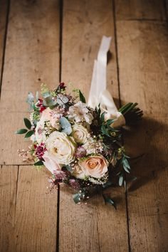 Rustic bridal bouquet #waterlilyweddings #irelandwedding #destinationwedding