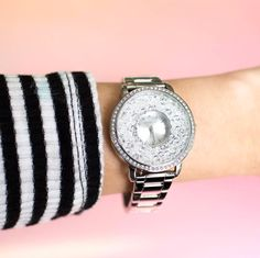 Origami Owl's new Silver Locket Watch filled with Clear Stardust Crystals by Swarovski is the perfect classic look for the 2016 holiday season!