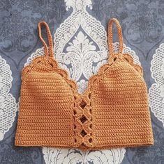 Marvelous Crochet A Shell Stitch Purse Bag Ideas. Wonderful Crochet A Shell Stitch Purse Bag Ideas. Tops Tejidos A Crochet, Crochet Halter Tops, Crochet Crop Top, Crochet Bikini, Crochet Baby, Knit Crochet, Crochet Style, Crochet Summer, Amigurumi For Beginners