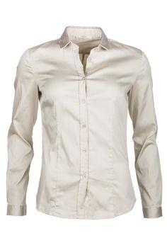 Gaudí Košeľa Shirt With Studs Jednoduchá no chick krémová košeľa s drobnými kamienkami na golieri, ktoré robia tento kúsok šperkom