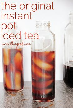 Step aside cold brew coffee, this easy, heathy Instant Pot iced tea recipe is the new summer staple! Learn how to use your Instant Pot or other pressure cooker to make awesome, healthy iced tea! Slow Cooker, Cocina Light, Making Iced Tea, Pressure Cooking Recipes, Cooking Pork, Cooking Fish, Cooking Turkey, Iced Tea Recipes, Instant Pot Dinner Recipes