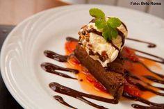 Uno - Delicia de chocolate com sorvete de creme (jantar)