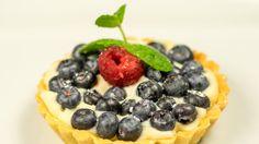 Karol Labuda: Wspomnienie lata  - Tartaletka z musem z białej czekolady Fruit Salad, Waffles, Cheesecake, Breakfast, Sweet, Food, Mascarpone, Morning Coffee, Candy