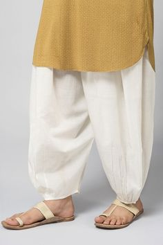 Good Earth - Rozana Flow:Handloom Cotton Salwar