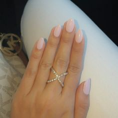 Almond shape nails cnd shellac cakepop – The Best Nail Designs – Nail Polish Colors & Trends Almond Gel Nails, Almond Shape Nails, Nails Shape, Short Almond Shaped Nails, Short Almond Nails, Shellac Nails, Nail Polish, Shellac Nail Designs, Almond Nails