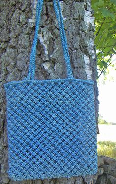 Great for towel, running shoes and gear is the Fair Trade bag of wild grown sisal macramé tied. Environmentally friendly dyes or nature white. It speaks sustainability ..all the way!