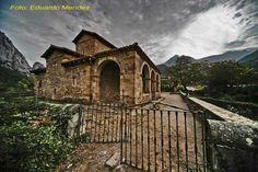 Os invitamos a pasear por Santa María de Lebeña.  #historia #turismo  http://www.rutasconhistoria.es/loc/santa-maria-de-lebena