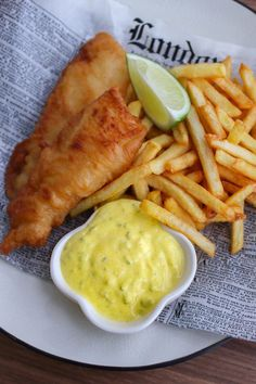 Fish&chips, and tiger ice cream. Fish And Chips, Cod Recipes, Fish Recipes, Seafood Recipes, Beignets, Fish And Chip Shop, Bistro Food, Chips Recipe, Cafe Food