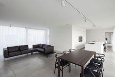 Villa CD Es Una Casa Proyectada Por OOA | Office O Architects, Quien Ha  Dado Solución A Restricciones Y Exigencias Que Provenían Tanto De Las  Normas De ...