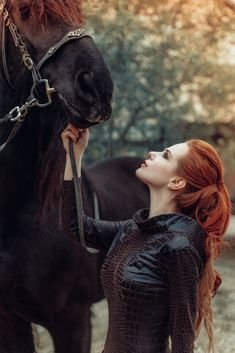 Redheads Be Here : Photo Horse Girl Photography, Fantasy Photography, Animal Photography, Photography Ideas, Fantasy Inspiration, Character Inspiration, Beautiful Horses, Beautiful People, Foto Fantasy