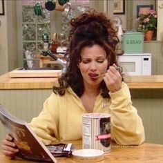 cecream and magazine, it's our perfect monday night ✨ Miss Fine, Nanny Outfit, Fran Fine, A Nanny, Fran Drescher, My Vibe, Reaction Pictures, Foto E Video, 90s Fashion