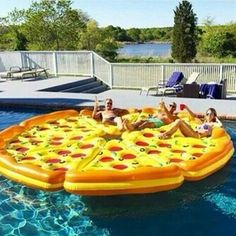8 Piece Complete Pizza Pool Float Set This is the ultimate pool float for your next pool party. The complete pizza pie! Includes eight slices of pizza