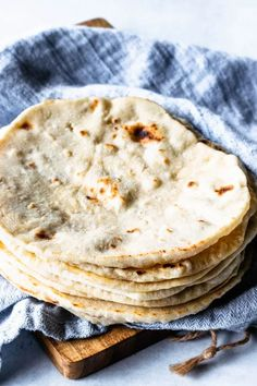 These Sourdough Tortillas are made with leftover sourdough starter. They are soft and delicious, the best tortillas you'll ever have! Sourdough Recipes, Sourdough Bread, Bread Recipes, Baking Recipes, Starter Recipes, Sourdough Tortillas Recipe, Sourdough Boule Recipe, Recipe Using Sourdough Starter, Homemade Tortillas
