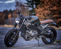 Kawasaki Streetfighter by Wrench Kings Cafe Racer Kits, Cafe Racer Helmet, Cafe Racer Build, Cafe Racer Motorcycle, Motorcycle Outfit, Motorcycle Helmets, Kawasaki Zx6r, Kawasaki Ninja, Modern Cafe Racer