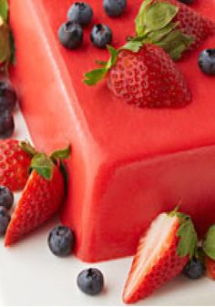 JELL-O Gelatin Berry Dessert – Need a quick and easy treat? This creamy JELL-O dessert Is topped with berries and ready to pop in the fridge in just 15 minutes.