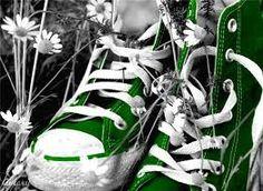 Risultati immagini per color splash photoshop Green Converse, Converse All Star, Converse Shoes, Cheap Converse, Converse Classic, Converse Style, Converse Chuck, Black White Photos, Black N White