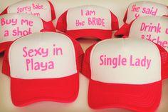 Te doy una recomendación para una despedida de soltera con tus amigas increíble en la playa #bodas #elblogdemaríajosé #teambrideplaya #despedidasoltera Bride Shower, Team Bride, Camila, Single Women, Budget Wedding, Have Fun, Cap, Party, Garage