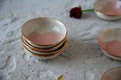 Mini bowls with gold trim. 29 CHF at www. Chf, Watercolor Rose, Organic Shapes, Tapas, Bowls, Artisan, Ceramics, Dishes, Mini