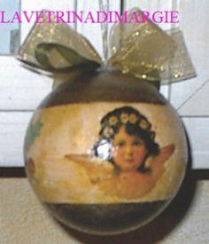 ball to hang on christmas tree