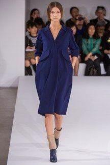 Jil Sander Milano - Spring Summer 2013 Ready-To-Wear - Shows - Vogue. Jil Sander, Love Fashion, Fashion Show, Fashion Looks, Fashion Design, Milano Fashion Week, Milan Fashion, Spring Trends, Designing Women