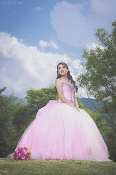 Glorious formed quinceanera ideas look here Mexican Quinceanera Dresses, Quinceanera Planning, Quinceanera Decorations, Quinceanera Party, Quince Dresses, 15 Dresses, Quinceanera Collection, Sister Poses, Quinceanera Photography