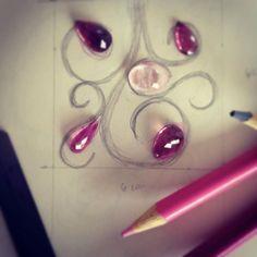 Vem novidade por aí... #asjoiasdarainha #fashionnews #amooquefaço #prataepedras #turmalinasemorganitas #highjewellery #fashionjewellery #exlusividade #encomendaespecial #plata #silver #preciousstones #turmaline #morganite #designexclusivo #unique #moda #joias #joyas #jewels #colors #colores #cores #rosas #peçaexclusiva