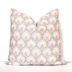 Abricot et blanc décoratif Designer/couverture de coussin accent jettent coussin moderne BCBG pêche saumon clair orange gris floral corail médaillon