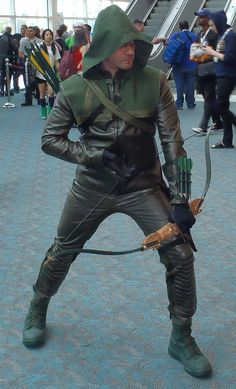 green-arrow-arrow-tv-show-comic-con-2013-006.jpg-214703d1375296292 (1241×2049)
