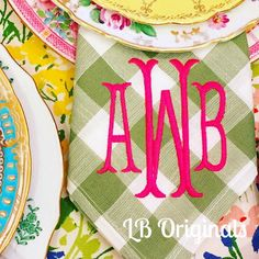 Preppy monogrammed linens for entertaining | Monogrammed Pillows | Towels | Home D�cor | Dinnerware | China