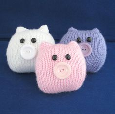 This Little Piggy. A quick and easy pig Knitting pattern by Amalia Samios Easy Knitting, Knitting For Beginners, Loom Knitting, Baby Knitting Patterns, Crochet Patterns, Quick Knitting Projects, Knitting Needles, Knitting Toys, Knitted Owl