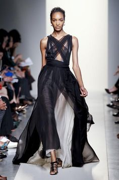 Défilé Bottega Veneta Printemps-été 2012 Prêt-à-porter - Madame Figaro