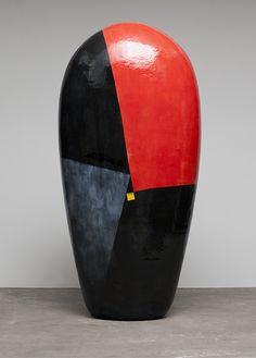 Untitled Dango series, by Jun Kaneko. Sculpture Head, Abstract Sculpture, Art Sculptures, Abstract Art, Pottery Painting Designs, Clay Vase, Virtual Art, Japanese Ceramics, Japanese Artists