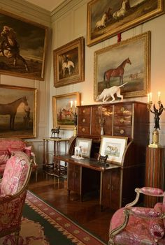 Traditional Equestrian Art Traditional Equestrian Art – The Glam Pad Traditional Decor, Traditional House, English Country Decor, French Country, Equestrian Decor, Equestrian Style, European Home Decor, Interior Decorating, Interior Design
