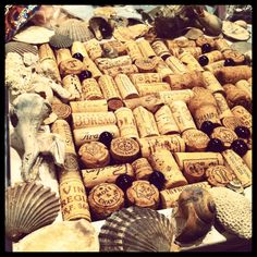 Cork board made out of corks DIY