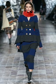 See the complete Sonia Rykiel Fall 2017 Ready-to-Wear collection.