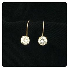 10k Yellow Gold .25 Carat CZ Lever-back Earrings One pair of 1/4 (.25) carat CZ, 10k yellow gold lever-back earrings. Never worn. 10k is stamped on both levers. Jewelry Earrings