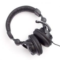 Lenovo P950 to wysokiej jakości słuchawki nauszne z mikrofonem.  Produkt w kolorze czarnym
