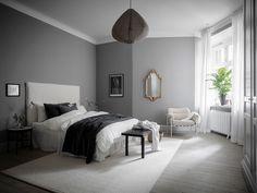 Un canapé d'angle au design iconique dans un appartement ancien - PLANETE DECO a homes world