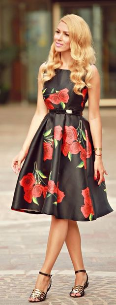 Rose Print Midi Dress   Street Fashion
