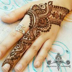 Mehndi Art Designs, Mehndi Images, Henna Mehndi, Mehendi, Henna Tattoos, Mehadi Design, Saree Dress, Art Drawings, Indian