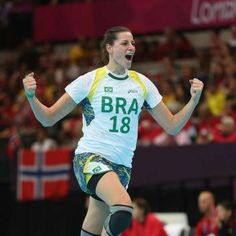 Brasileira Duda Amorim é eleita melhor do mundo no handebol