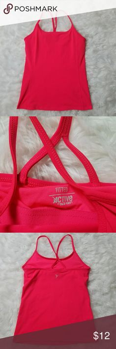 Old Navy active pink workout tank top medium Old Navy active women's pink built-in sports bra workout tank top size medium  (M17) armpit to armpit measures 16 in unstretched  armpit to hand measures 18 in  excellent used condition Old Navy Tops Tank Tops