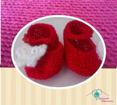 Modelo N° 59: Zapatos primavera rojos con mariposas laterales, Zapatos tejidos a crochet