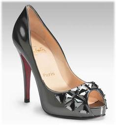 Zapatos: Christian Louboutin.