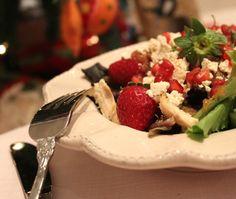Ensalada de Pularda, queso feta y frutos rojos - El Aderezo - Blog de Recetas de Cocina