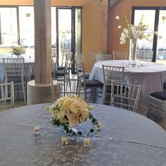 Venue: Botanical Gardens of the Ozarks, Flowers: Rose of Sharon Floral Designs